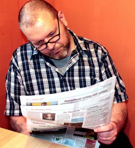 read-newspaper-obituaries