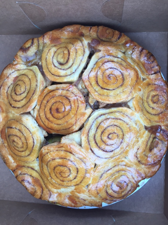 cinnamon roll apple pie swirls in crust